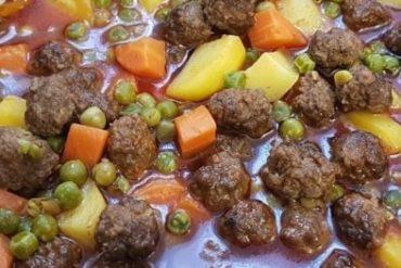 kofteli sebze yemek